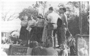 Auf einer Veranstaltung der Australischen KP in Melbourne 1949