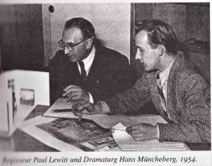 Regisseur Paul Lewitt und Dramaturg Hans Muencheberg 1954