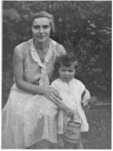 Mutter mit Tochter Ruth